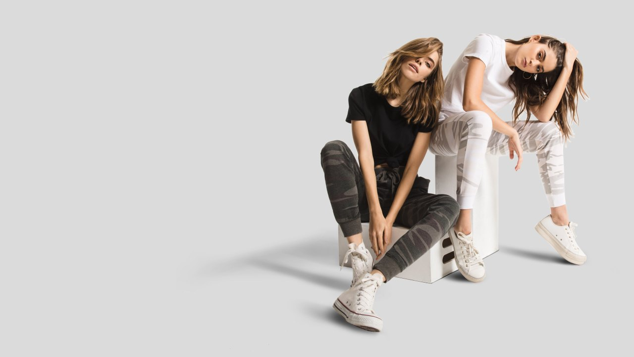 Two women models wearing Z SUPPLY clothes