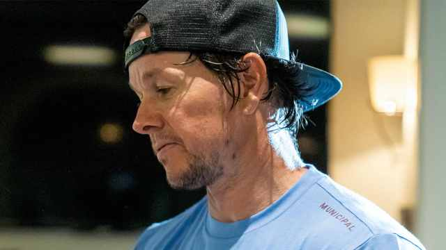 Mark Wahlberg in MUNICIPAL clothing gear